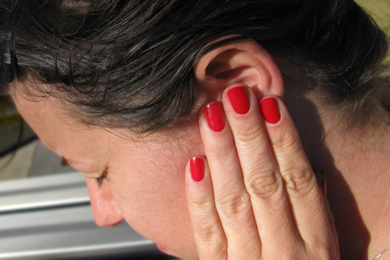 Избавление от ушной пробки в домашних условиях