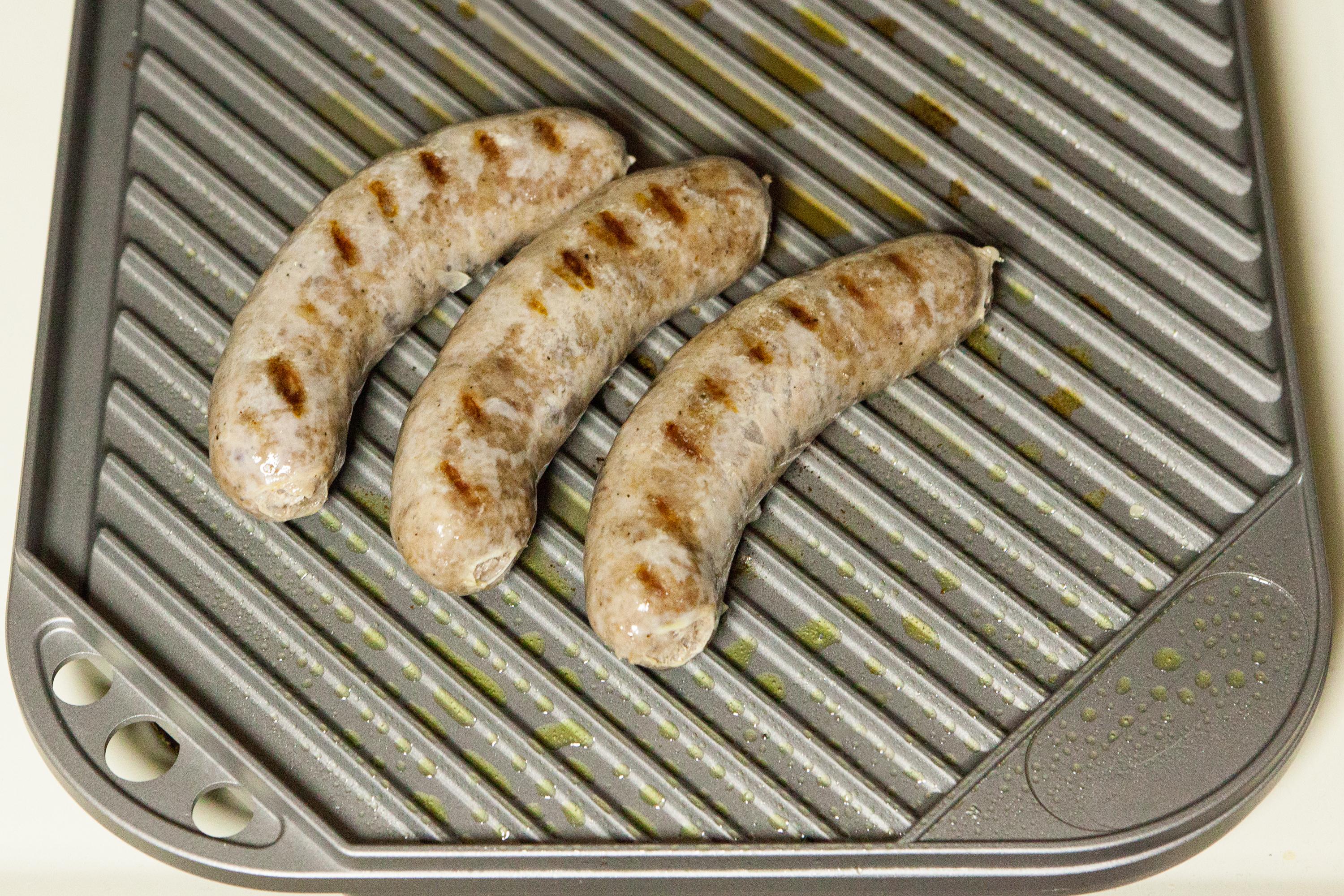How to Boil Brats Before Grilling   LIVESTRONG.COM