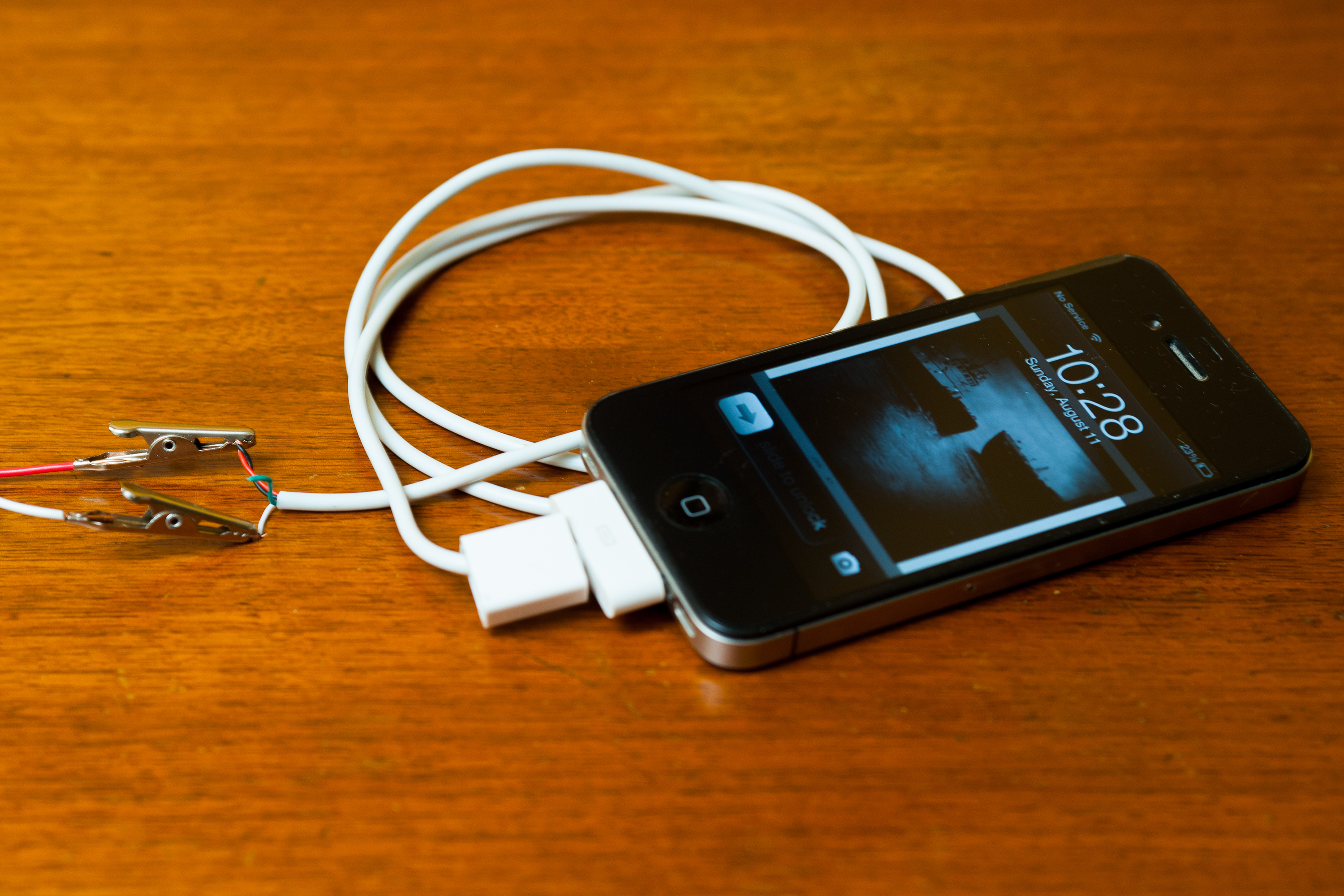 bWays to Charge Your Phone Without a Charger