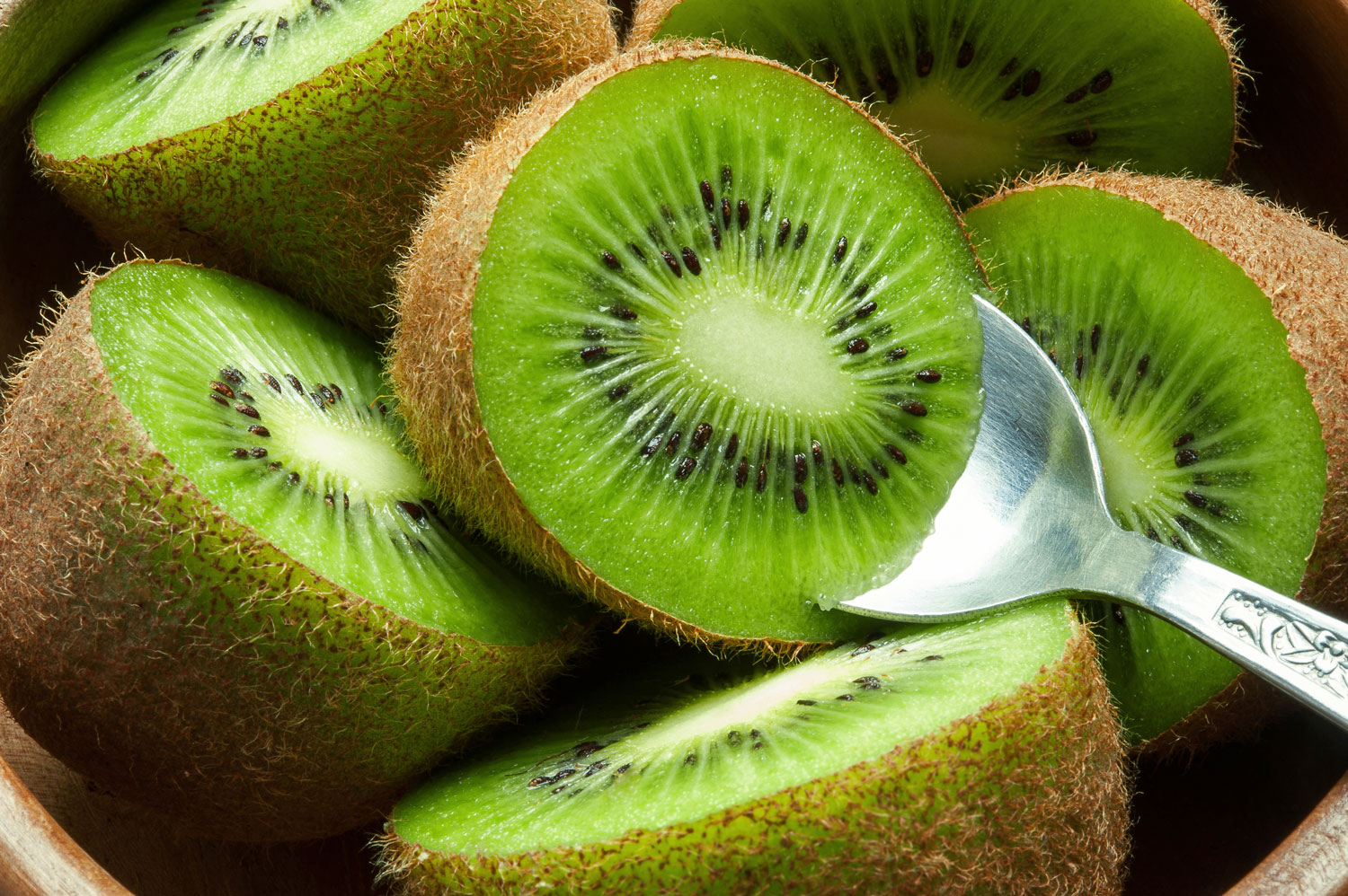 can you eat the skin of a kiwi fruit?  livestrong, Beautiful flower