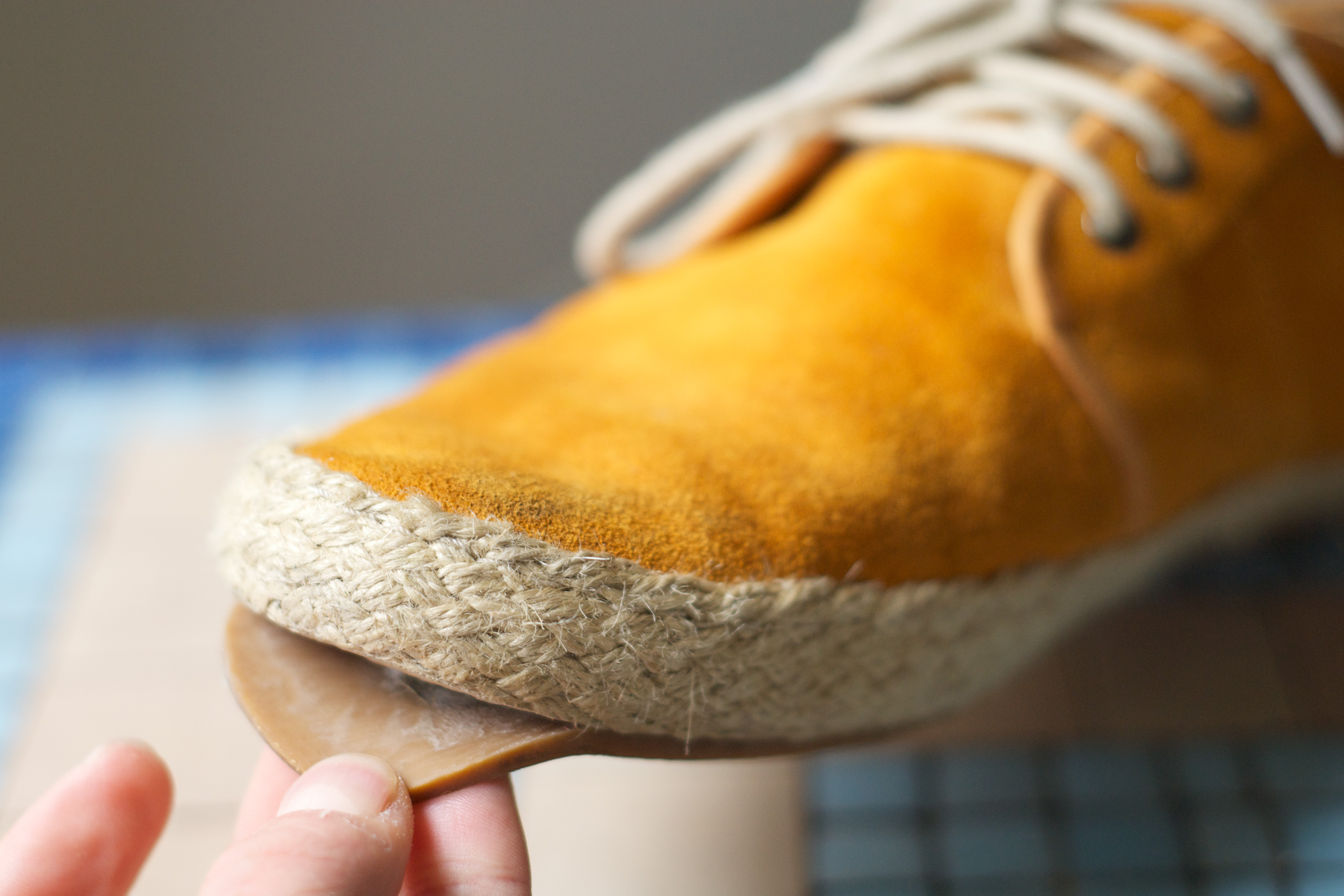 Type of Glue for Shoe Repair | Synonym
