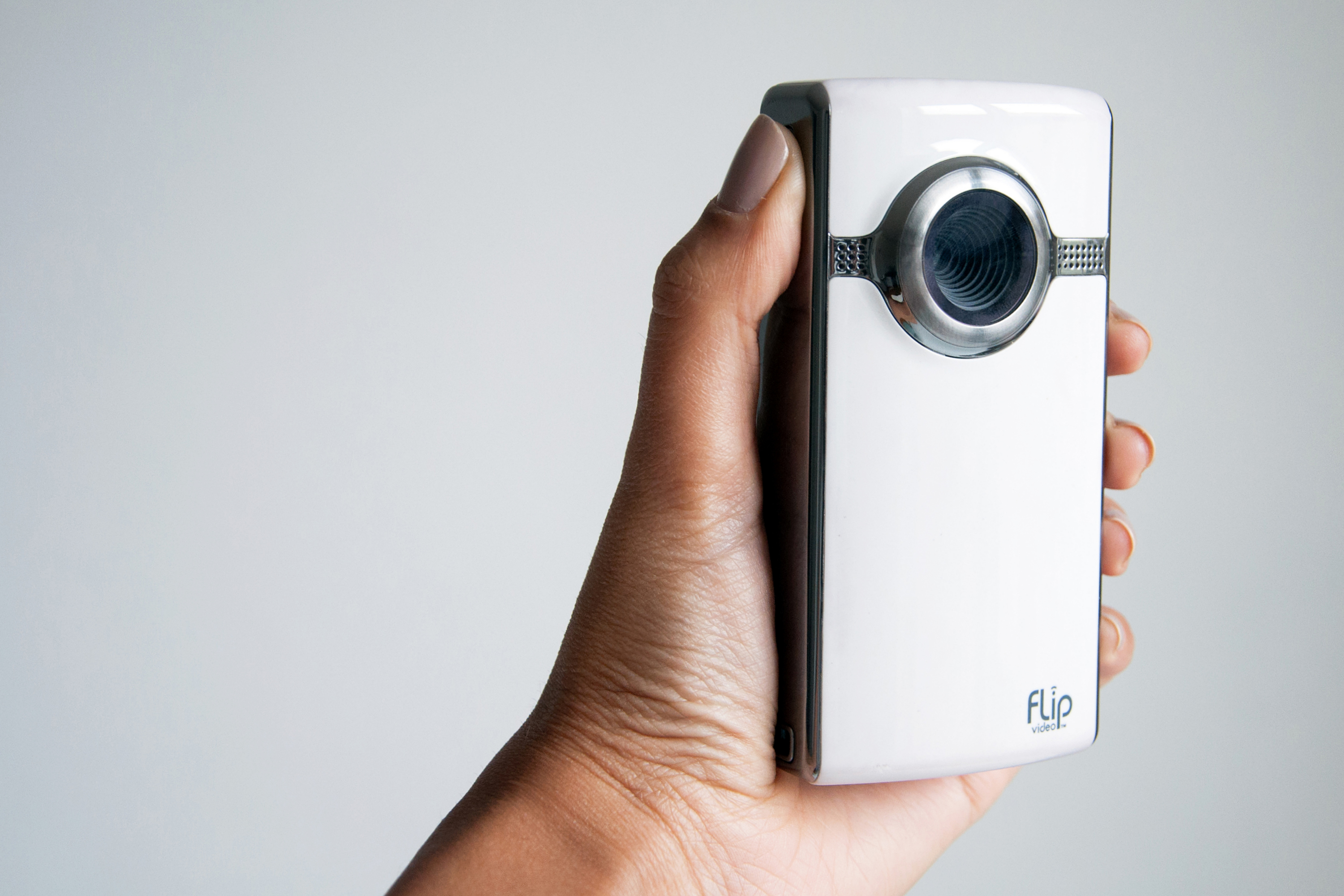 bHow to Reset a Flip Camera