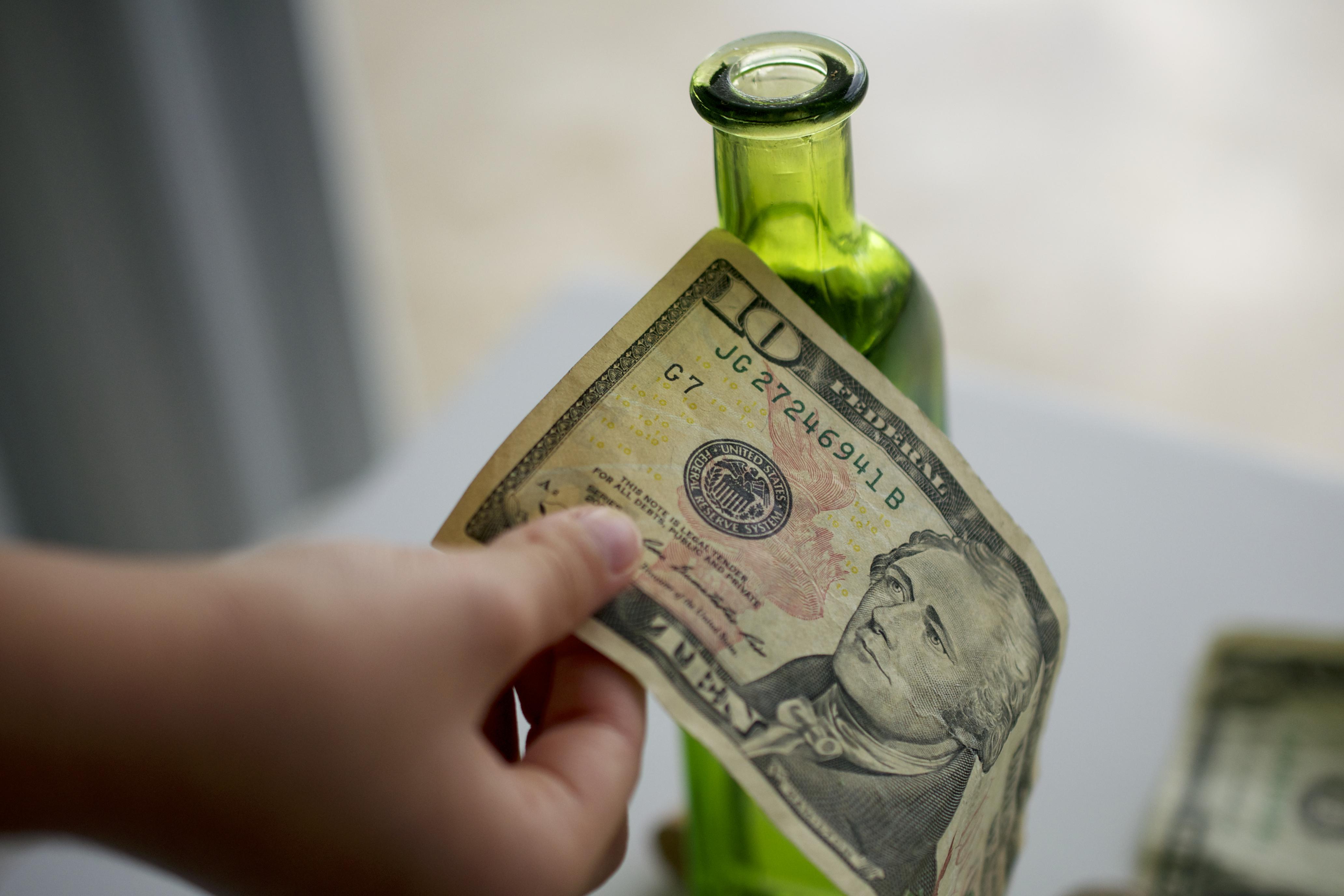 Обряды на привлечение денег в домашних условиях 38