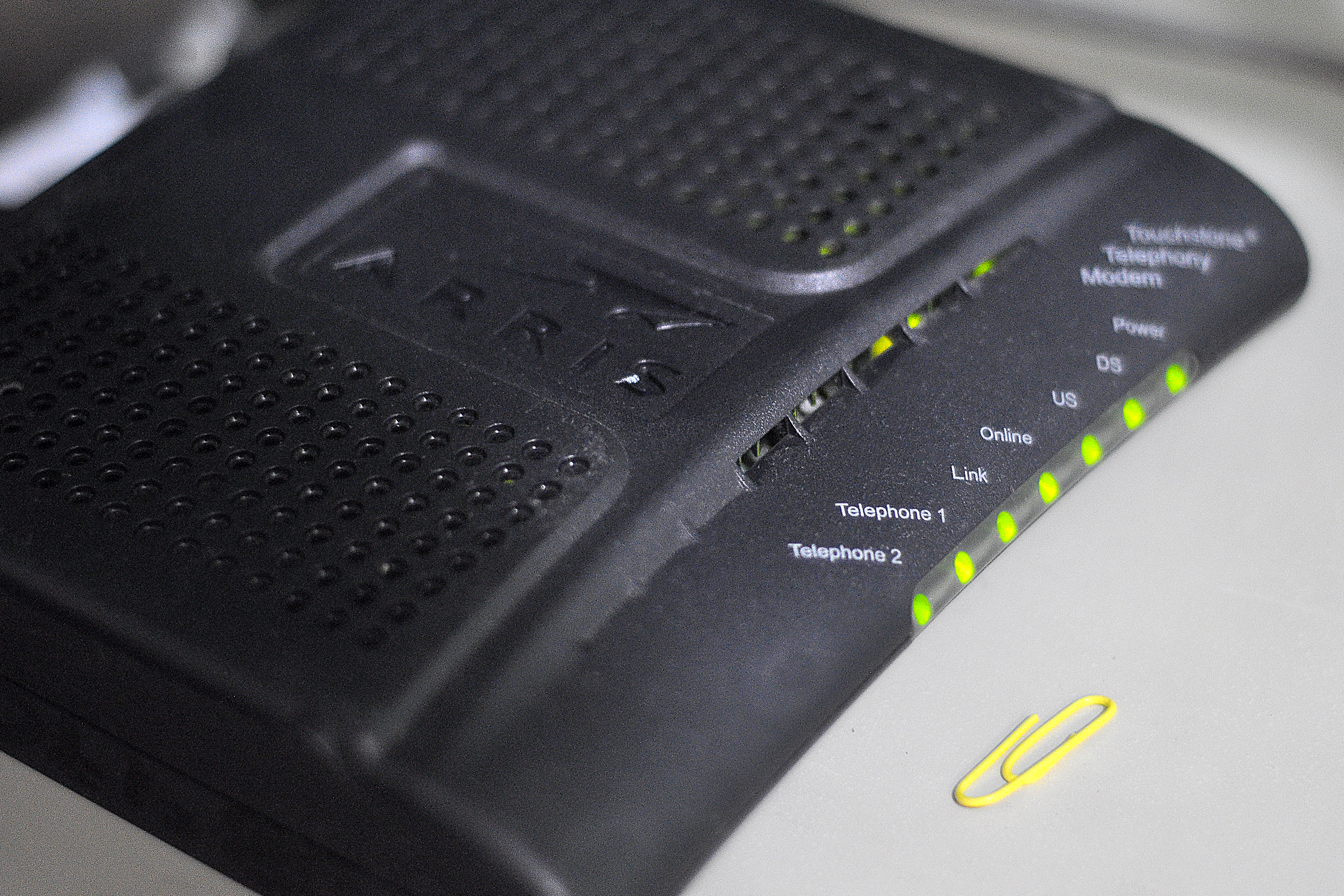 bHow to Reset an Arris Modem