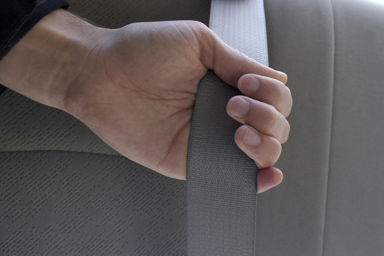 How To Reset A Stuck Seatbelt It Still Runs