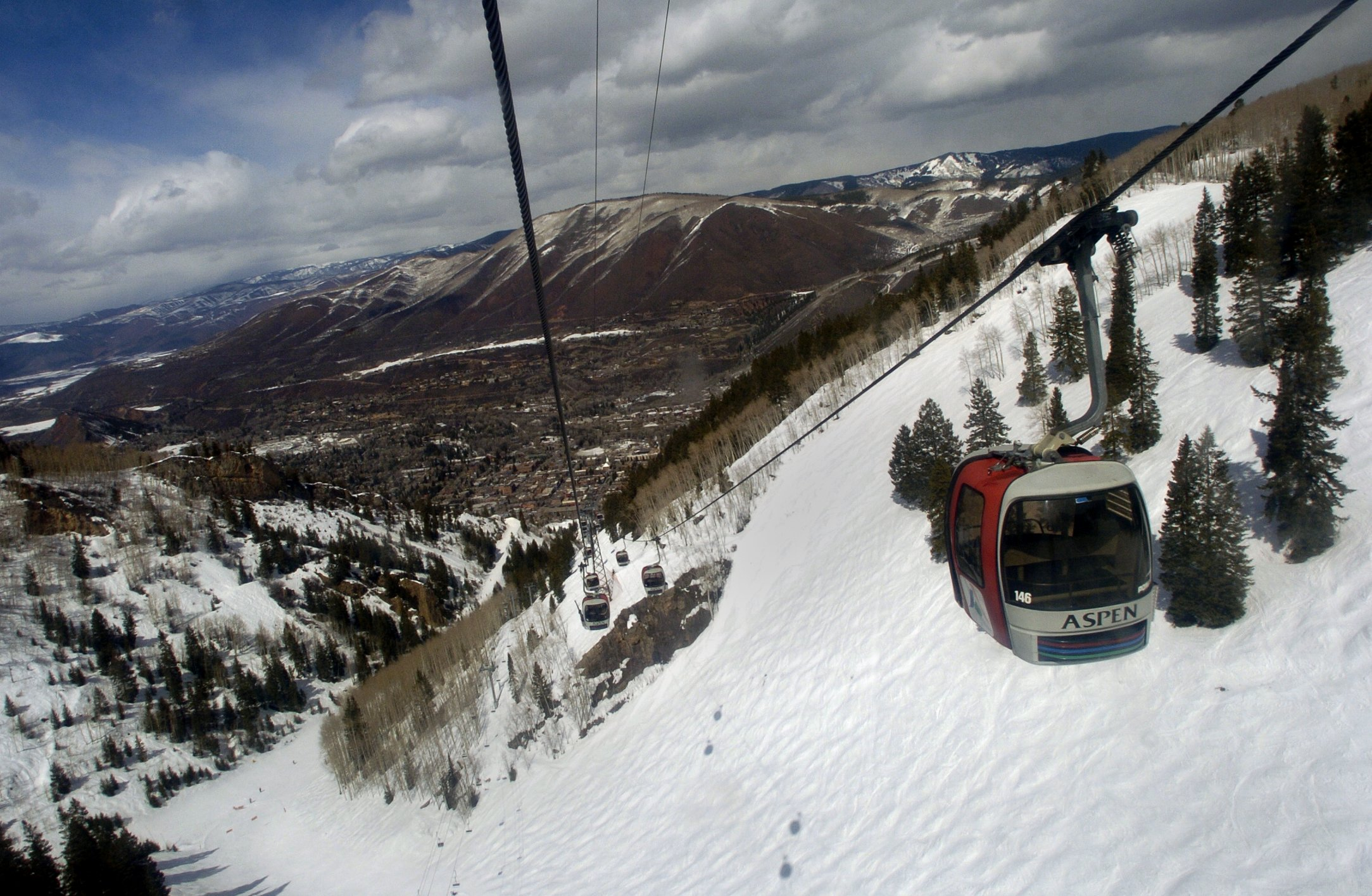 5 best Colorado ski areas for a luxury experience