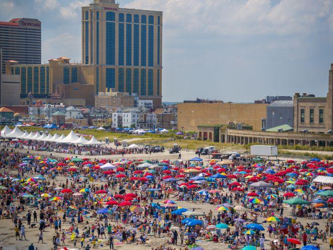 Atlantic City, Atlantic Ocean, Atlantic City beach, Boardwalk, Boardwalk Hall, Air Show, planes, daytime, crowd, parachute