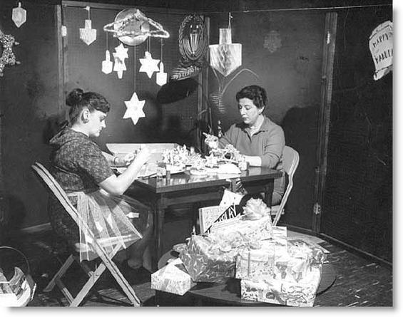 Making Chanukkah decorations at Temple of Aaron, St. Paul. Photograph Collection 1960, Minnesota Historical Society