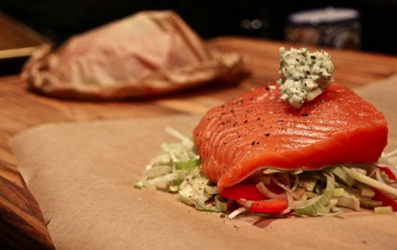 Chosen Eats: Eating Passover, Day 12 - Salmon en Papillote