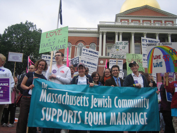 Keshet members rally for equal marriage at the MA State House