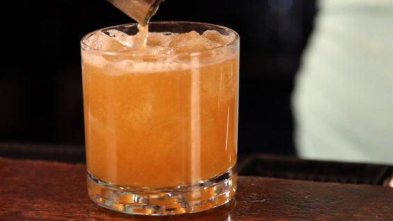 How to Make Your Own Pumpkin Cocktail for Sukkot (Video)
