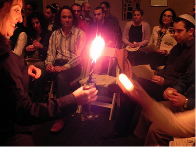 Commemorating the Holocaust on Yom HaShoah 2011