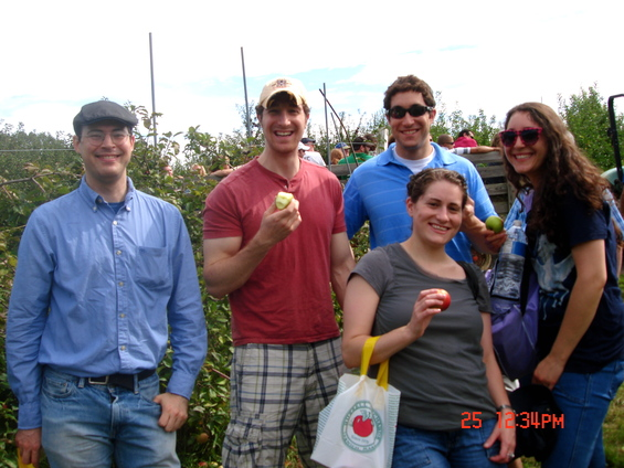 TBS 20's &amp; 30's BIG Apple Picking!
