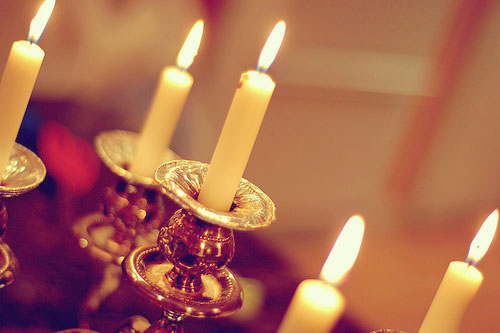 Shabbat How-To: Light the Candles