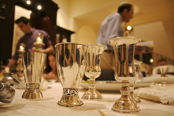 Shabbat How-To: Make a Festive Shabbat Table