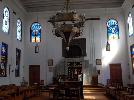 I already feel Jewish, so why should I belong to a synagogue?