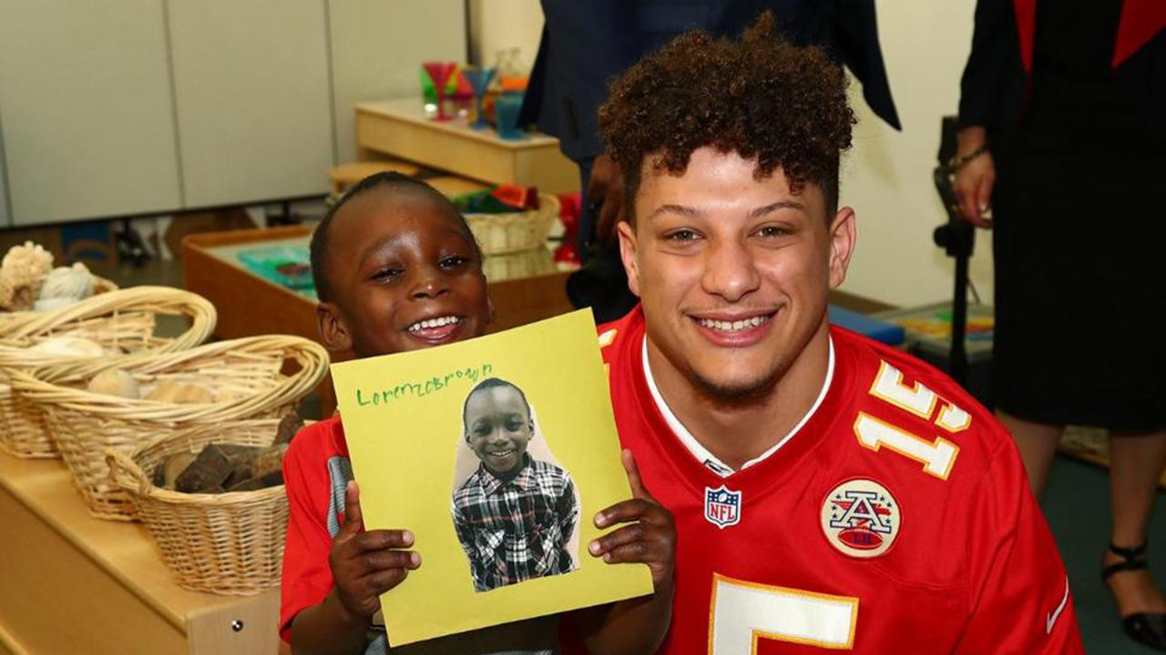 Patrick Mahomes read a book and shared life lessons with local kids