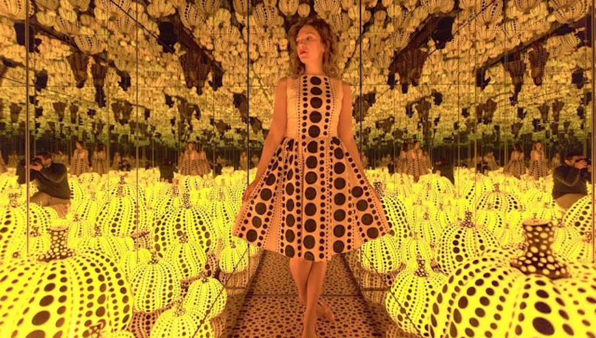 This Instagrammer Perfectly Matches her Outfits with Art