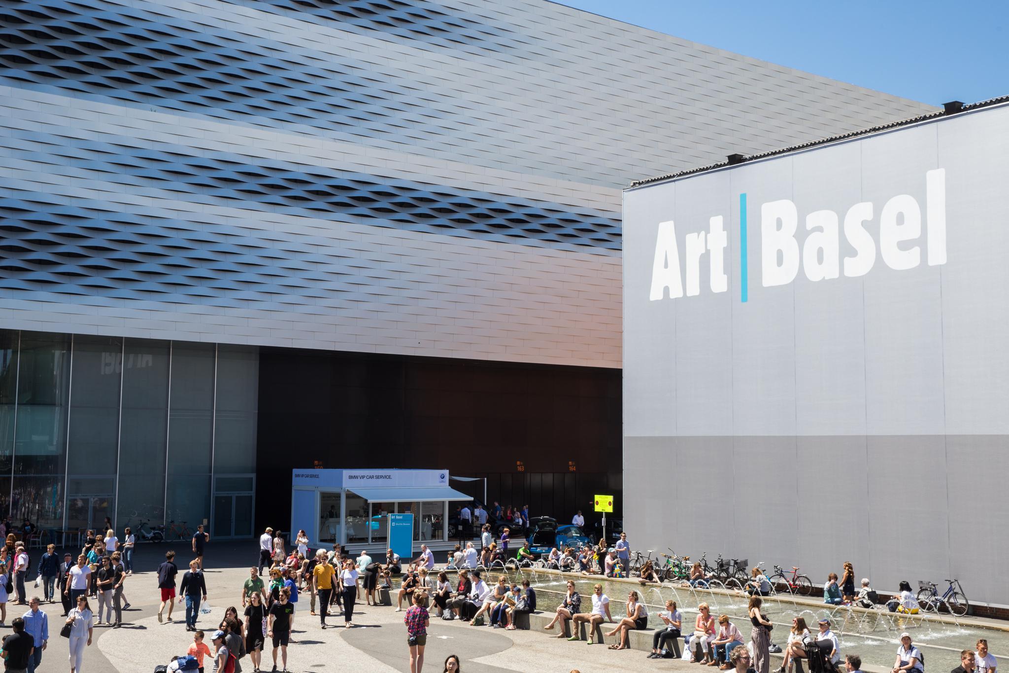 Bereit für die Art Basel?  272 Galerien werden vertreten sein! 24.-26. September 2021 #WeWillBeThere ...
