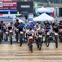 The start of the womens U23 cross country race at the UCI World Cup in Mont-Saint-Anne