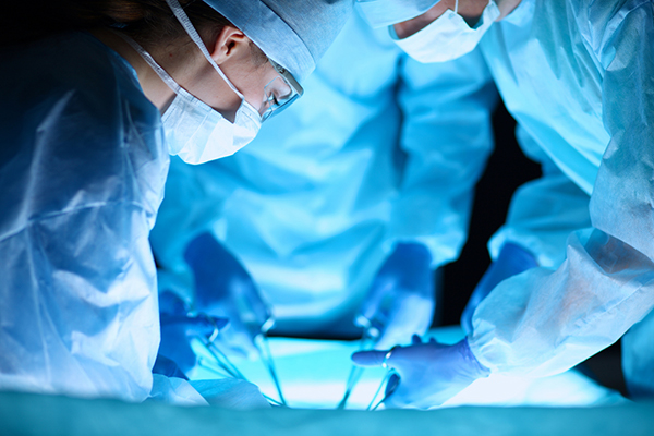 Surgeons send 'tweets' from operating room (Video)