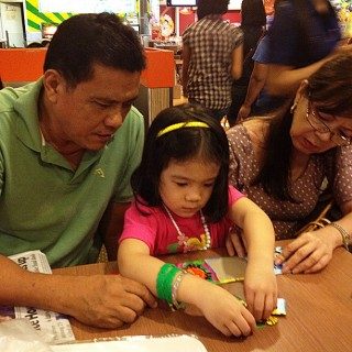 Lola and Lola playing puzzles with Euna