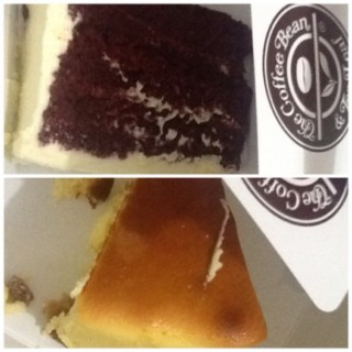 A Red Velvet Cake and Chicago Cale from The Coffee Bean.^_^  Call it Midnight Snack!