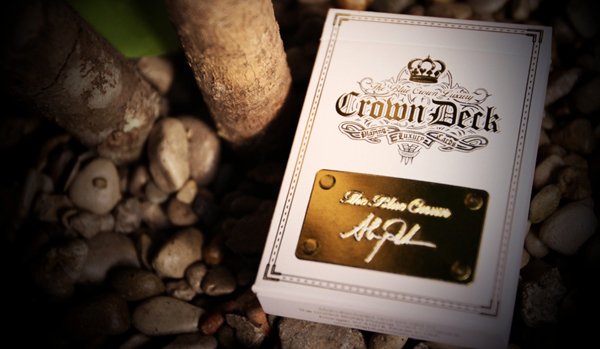 News: The Blue Crown Releases Crown Luxury Deck: Diamond Edition (Only 2500 Printed)