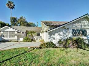 Mid-Century House in Rossmoor Listed for $750,000
