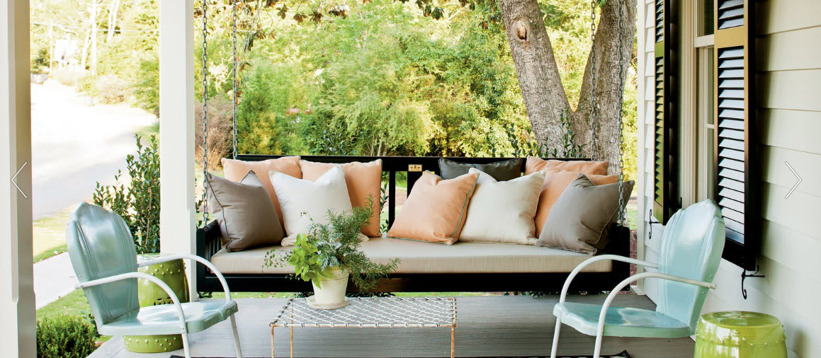 white-porch-and-chairs-302135