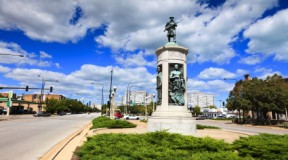 Victory Monument in Bronzeville, Chicago