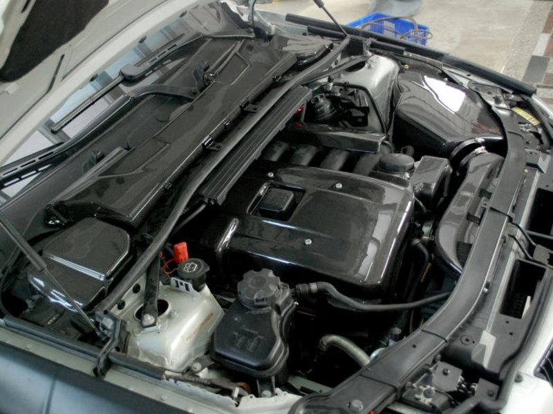 BMW CARBON ENGINE VALVE COVER N52B25 N52B30 E90 E91 E92 E93 E60 E61 X3 X5 Z4