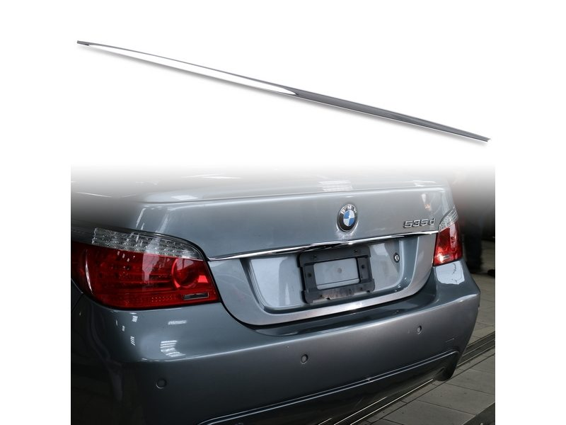 BMW 5 SERIES E60 CHROME BOOT STRIP HANDLE COVER