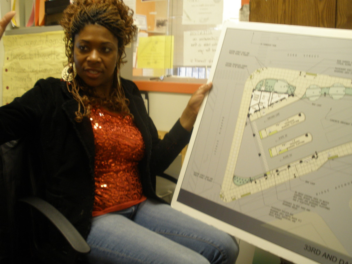 Tonnetta Graham explains the plans for the bus loop on 33rd and Dauphin.
