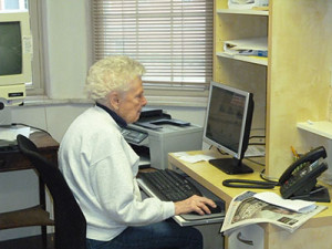 Jeanette Loughlin, a Stapeley resident since August, surfed the Internet in the facility's computer room.