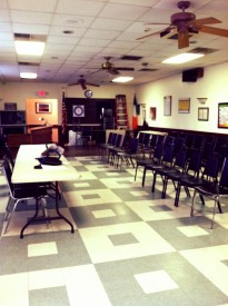 prayer room:meeting room