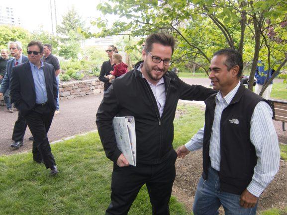Drew Murray meeting with resident of Logan Square Neighborhood Association