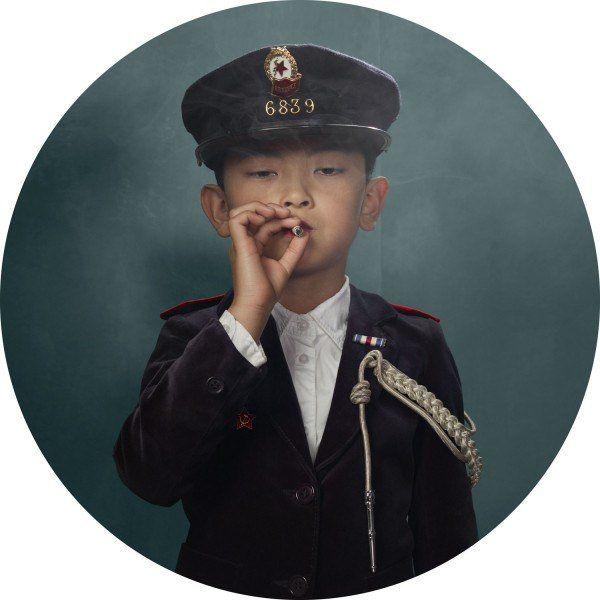 frieke-janssens-smoking-kids6