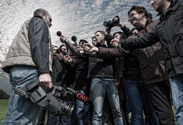 cnn-turk-camera-man