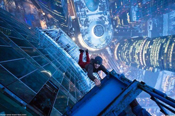 ukrainian-daredevil-hangs-from-buildings-mustang-wanted-1