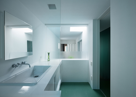 Promenade-House-Bathroom