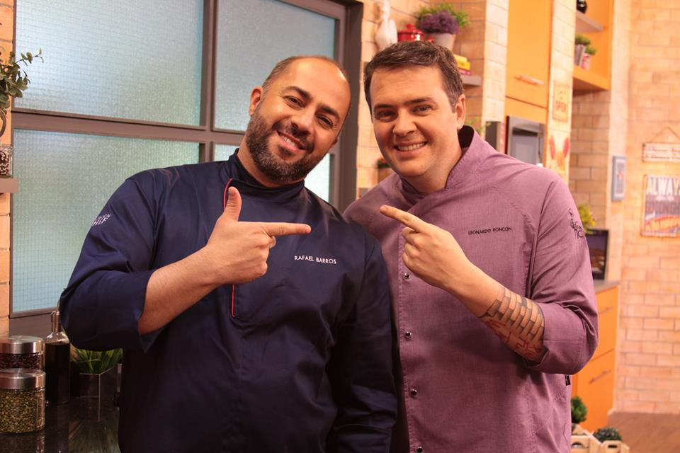 Chefs em Ação, Rafael Barros e Leonardo Roncon, festejam programa de número 200 na TV Aparecida