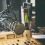Microfone estúdio de Rádio (shutterstock)