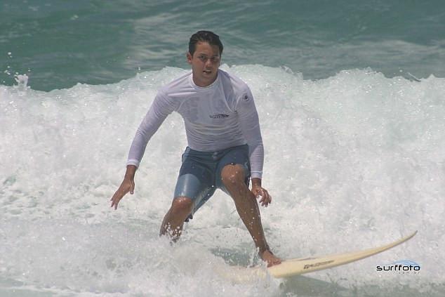 Igreja pode ter santo surfista