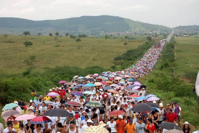 Devoção à Padroeira do Brasil movimenta multidões