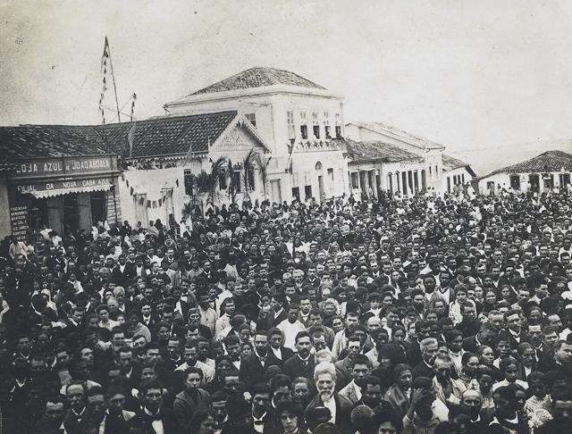 História é marcada por romeiros e missionários