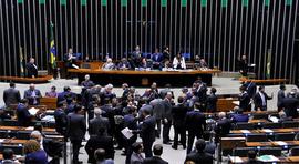 PEC 241, que rompe pacto de 1988, é aprovada em primeiro turno na Câmara