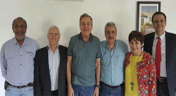 Vice-presidente do SENGE-RJ e presidente da Fisenge, Clovis Nascimento destacou que é fundamental esse diálogo com o parlamento diante da atual crise política e econômica, que também atinge a engenharia brasileira e os profissionais