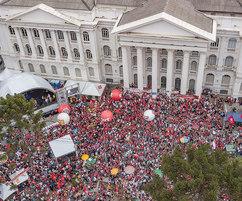 Luta por direitos e reivindicação pela liberdade de Lula marcam Dia do Trabalhador