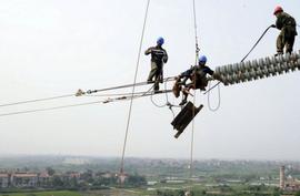 Eletricitários correm perigo de vida e denunciam risco de novo apagão no país